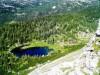 Še pogled na  Kočo pri Triglavskih jezerih s Štapc.